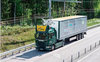 卡车配电缆 瑞典开启公路电气化进程_中国商用汽车网