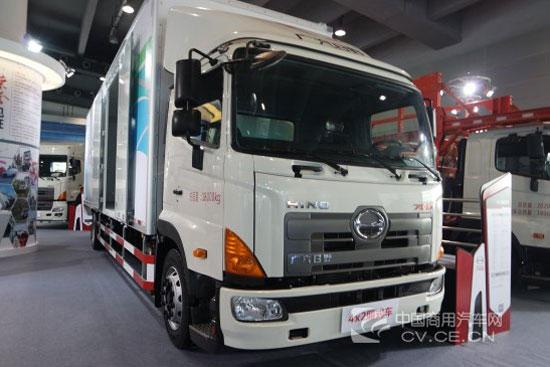 广汽日野4x2厢式货运车亮相广州车展