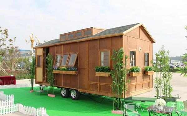 全球首款竹钢房车正式发布1.jpg