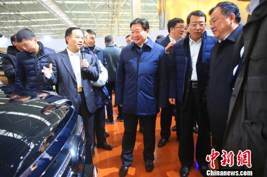 """湖北建""""中国智造""""标杆汽车工厂打造万亿汽车产业"""