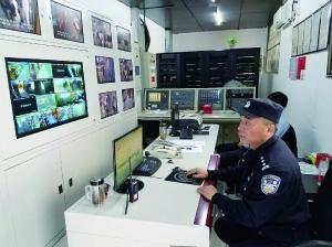 警方正在进行视频巡控。 北京警方供图 图片来源:北京晨报