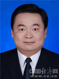 国务院任免郝鹏、肖亚庆、张茅职务(图