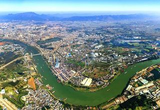 Xijiang River: important trade route in SW China