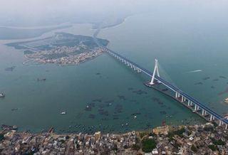 Cross-sea Haiwen Bridge officially starts operation in S China
