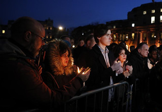 People mourns victims of London terror attack