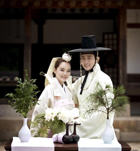 Wedding Photos Of Chae Rim, Gao Ziqi Released --China