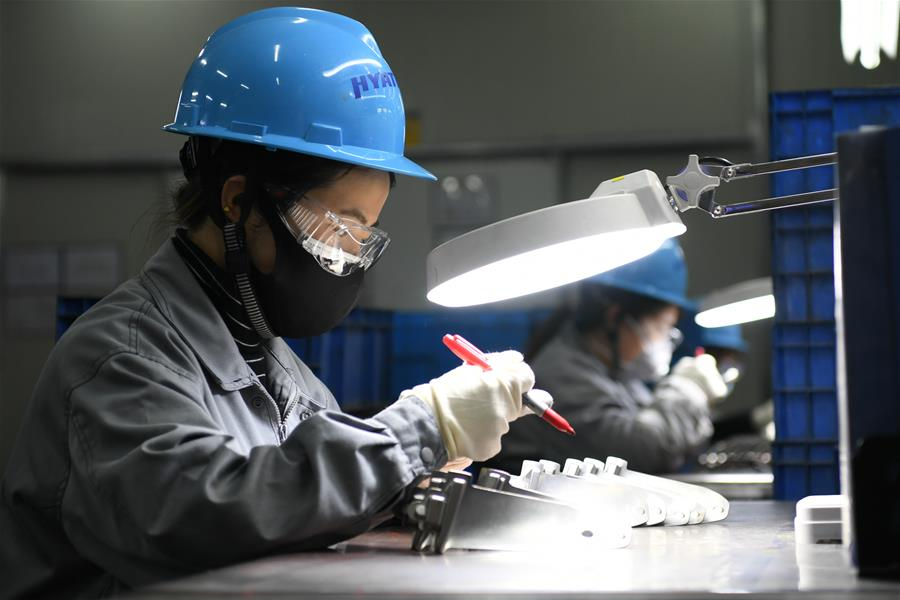 Enterprises in China resume production