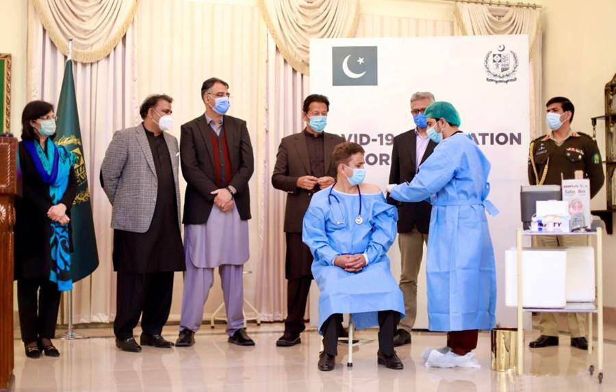 Pakistan kicks off COVID-19 inoculations with Chinese vaccines