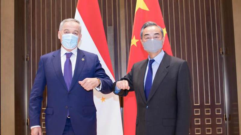 Chinese FM holds talks with Tajik, Uzbek, Kyrgyz counterparts