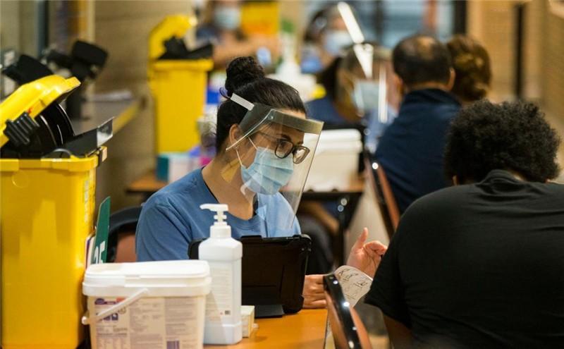 City of Toronto kicks off weekend-long vaccination clinic