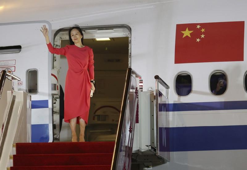 Meng Wanzhou arrives home