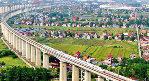 New railways give Yangtze region a push