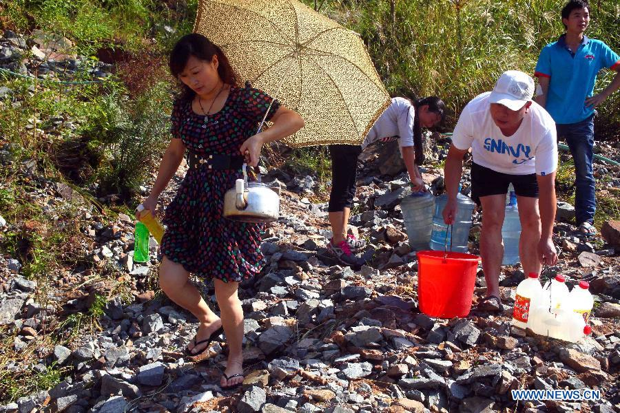 Typhoon Fitow affects local waterworks in Zhejiang