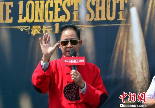 图为该片主演王志文在发布会上。 龙剑武 摄