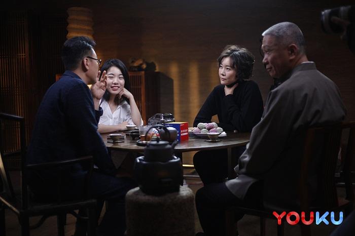 优酷《圆桌派2》今日上线 窦文涛马未都论出身