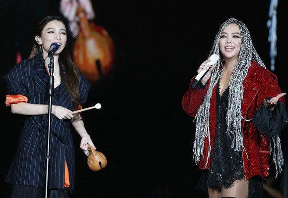 "Hebe助阵张惠妹高雄演唱会 同台飙唱""好胆你就来"""