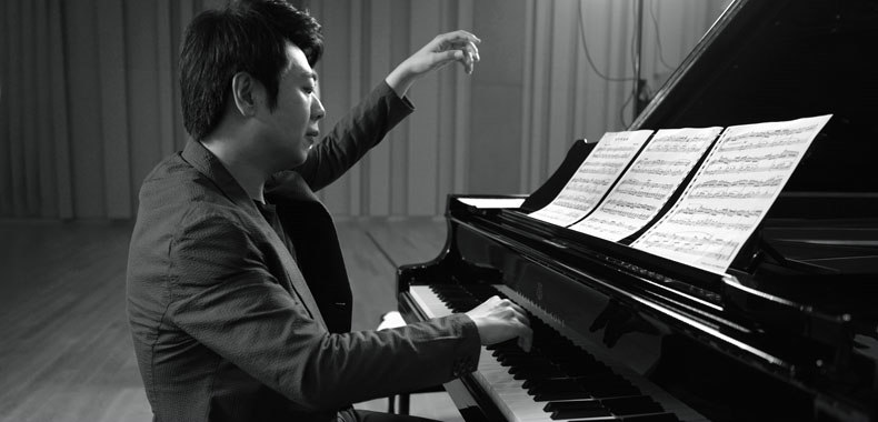 """郎朗全球发行新专《钢琴书》携手共庆""""世界钢琴日"""""""