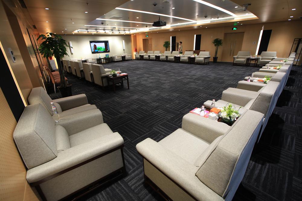 160平米会议室.jpg