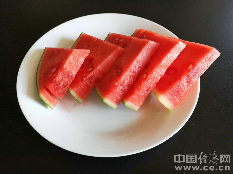 夏季到来 教你如何挑选香甜可口的西瓜