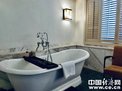 冬天洗澡频率不宜过高,每周2—3次较为合适