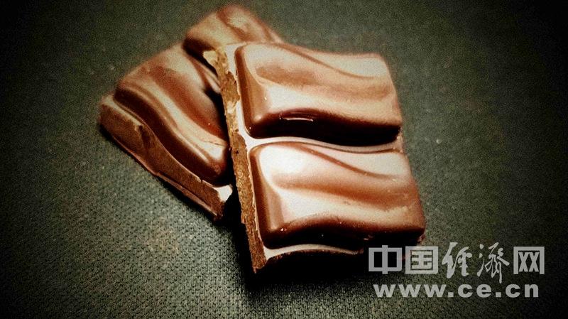巧克力奶酪草莓 这些常见食物有益于牙齿健康