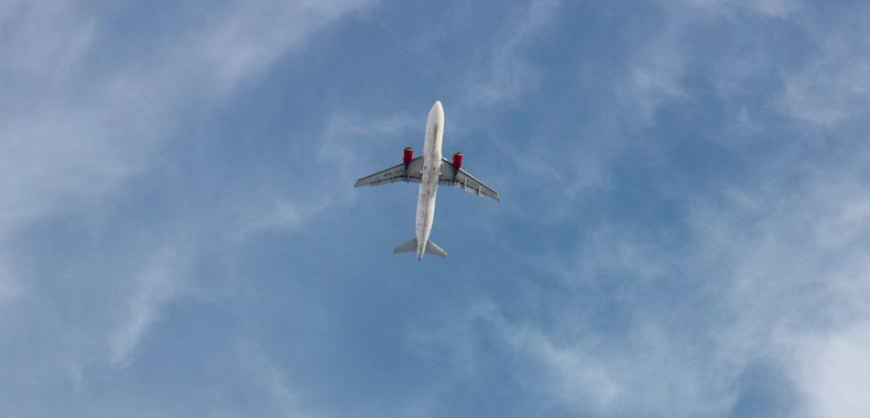 """航空公司搭车""""双11"""""""