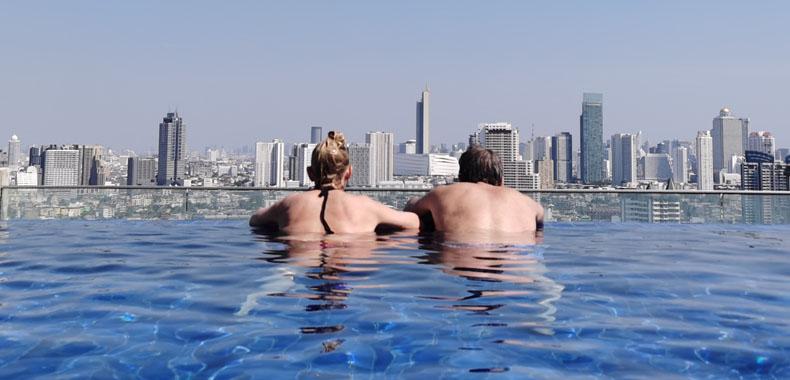孕期进行游泳运动可减轻产后抑郁症状