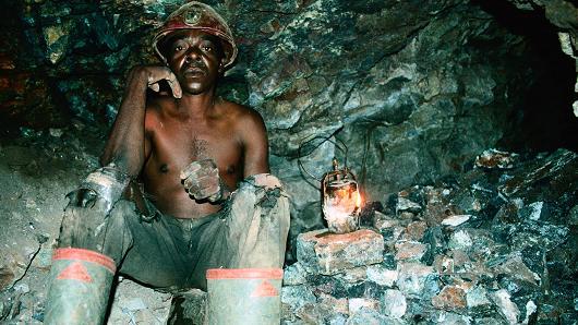 为什么矿业股可能受益于新兴市场抛售