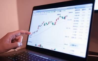 ZB1904003股票大盘刘天一创意图片 (1).jpg