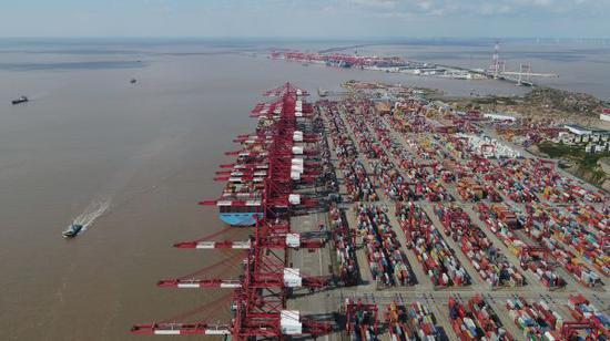 抢搭关税末班车?中国对美集装箱运输量大幅增加