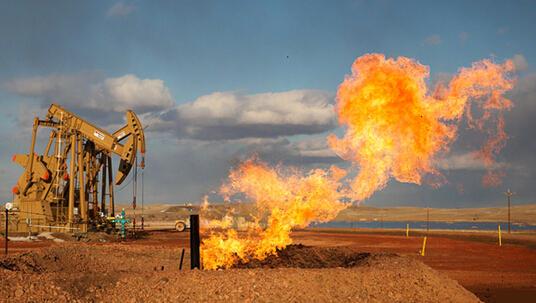 国际油价下跌与美国能源独立的两难处境