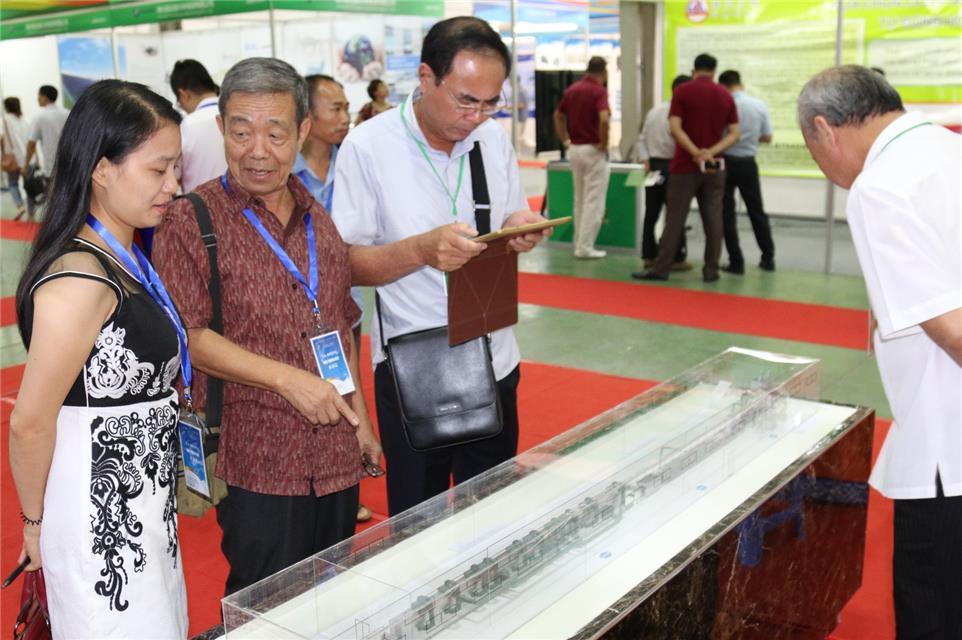2017中国—东盟博览会机电展在河内举行