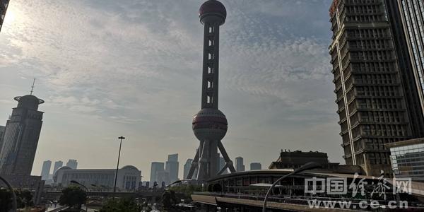 SH1811254东方明珠王蔚东方明珠街景建筑上海.jpg