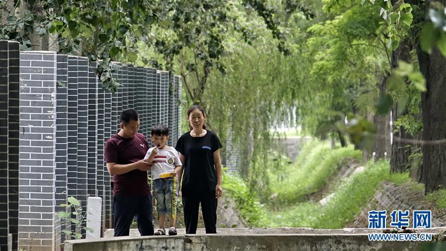(社会)(4)北京霍州营村:党建引领乡村变身
