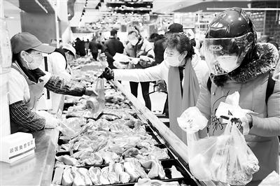 【人民网-人民日报海外版|易访】猪肉价格回落,供给保障有力