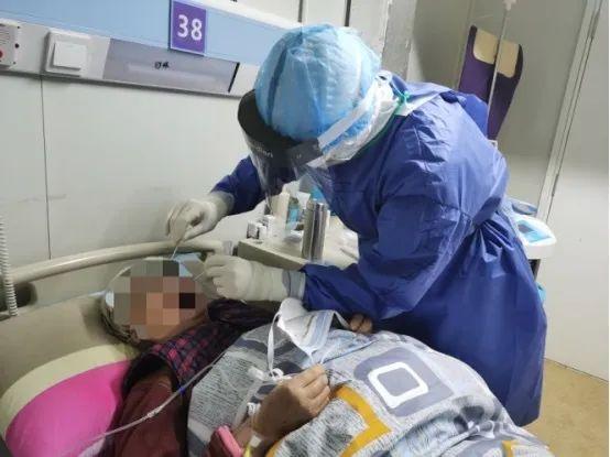 中国军网@武汉战疫日记丨抗疫中最难忘的床号――火神山医院感染三科一病区38床