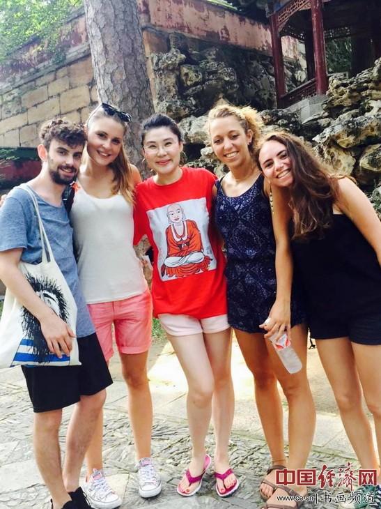 何�F熹和意大利的朋友们Anika He and her Italian Friends