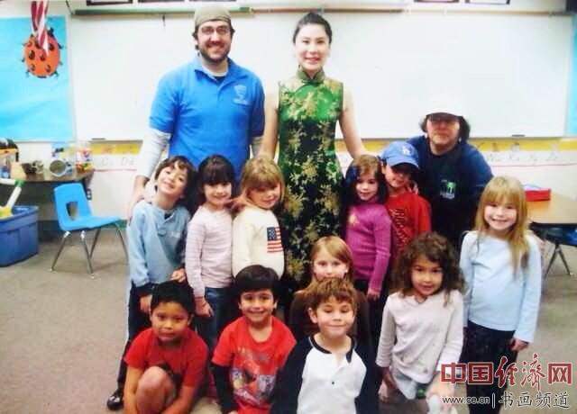 何�F熹(Anika He)和比佛利山庄幼儿园的小朋友们Beverly Hills