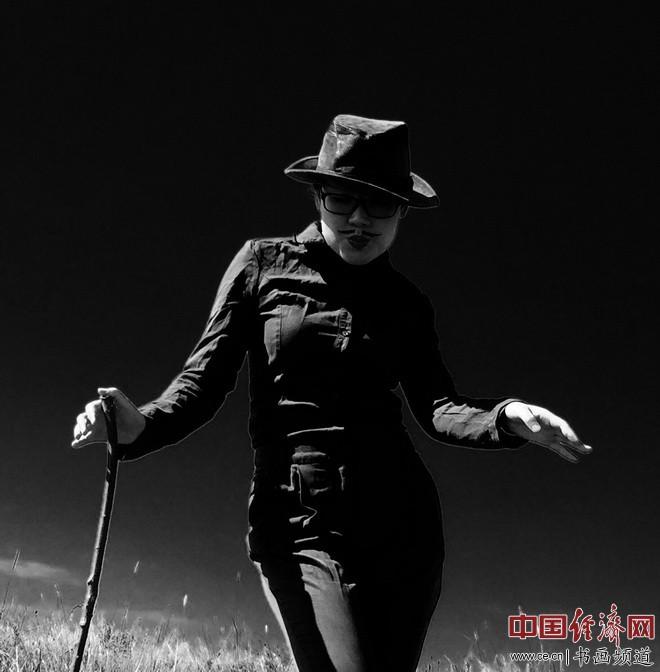 卓别林何�F熹(Chaplin Anika He)