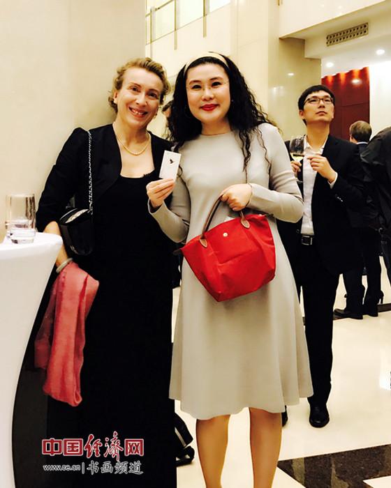 何�F熹(Anika He)和法国驻华大使馆文化教育合作处秘书长乐化女士 Valerie LEROY