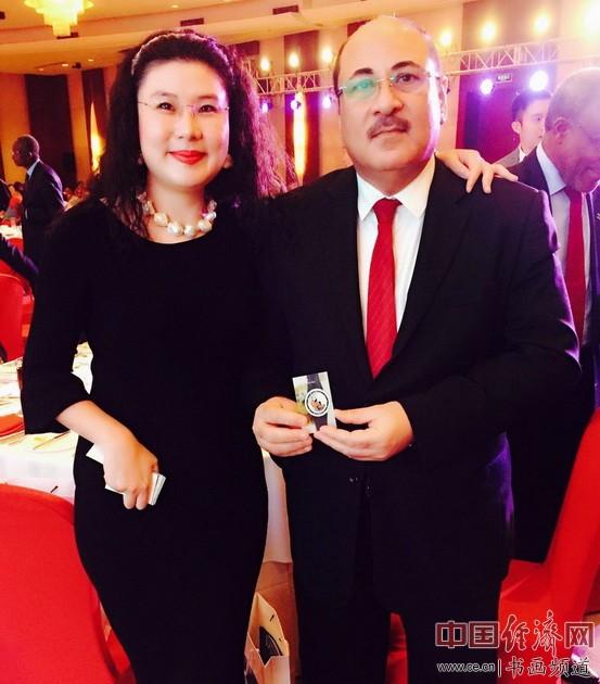何�F熹(Anika He)和巴林王国驻华大使 安瓦尔・艾勒阿卜杜拉