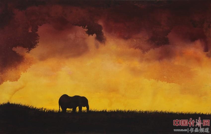 远野暮色深,孤象寻家人。情可动天地,怒放光明云。顾国平为何�F熹绘画配诗。