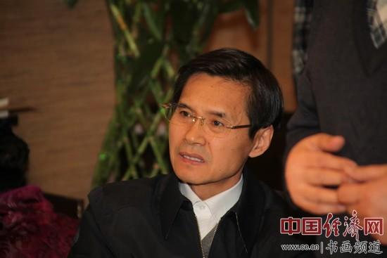 全国人大内务司法委员会局长于建伟 李玉生摄