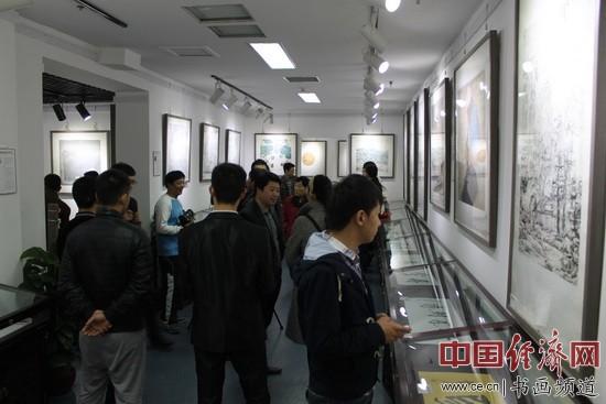 此次画展展厅内 中国经济网记者李冬阳摄