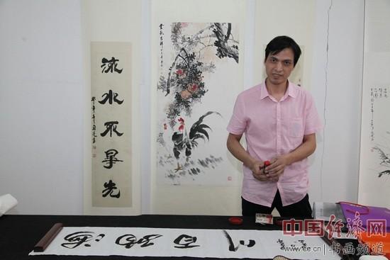 著名书画家郑碎孟在现场创作