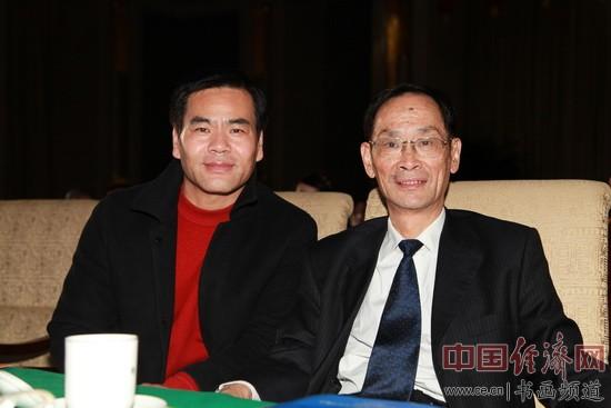 著名国画家李泽存(左)在晚会现场