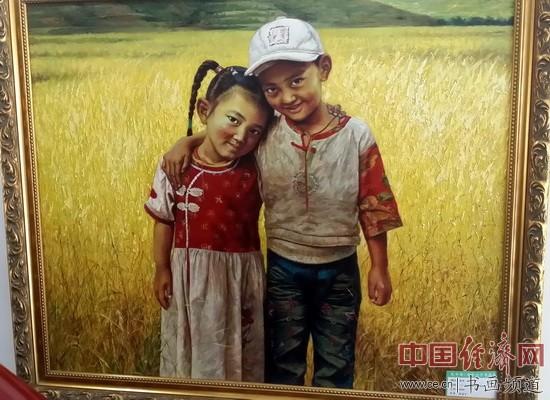 现场展出的张冠宇绘画作品 中国经济网记者李冬阳摄