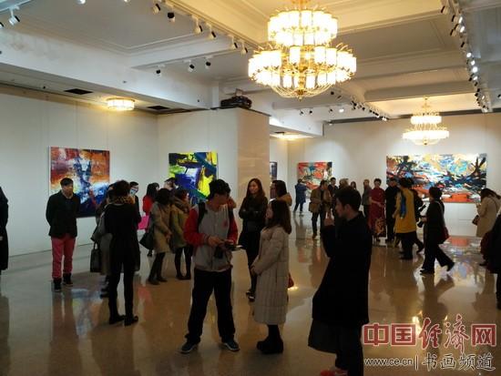 """""""赛里斯!赛里斯!""""张肇达画展展厅一角 中国经济网记者李冬阳摄"""