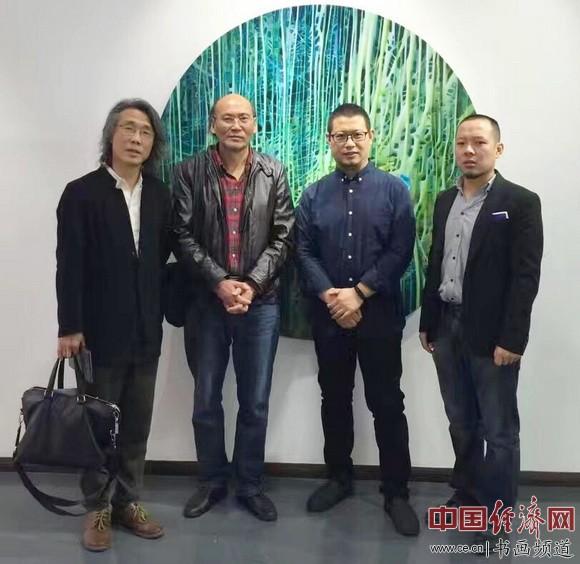 南开大学东方艺术系教授赵均(左一)、张文恒(左二),陈澈(左三),天津广廿又美术馆馆长徐振飞(左四)