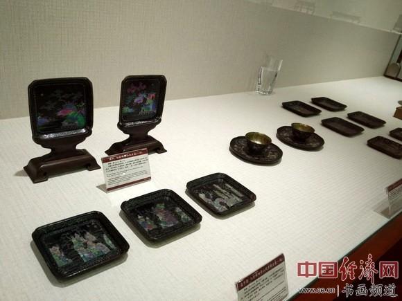 现场展出的螺钿漆器 中国经济网记者李冬阳摄